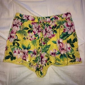 Hollister Floral Shorts Size XS